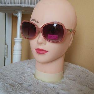 Betsy Johnson sun glasses